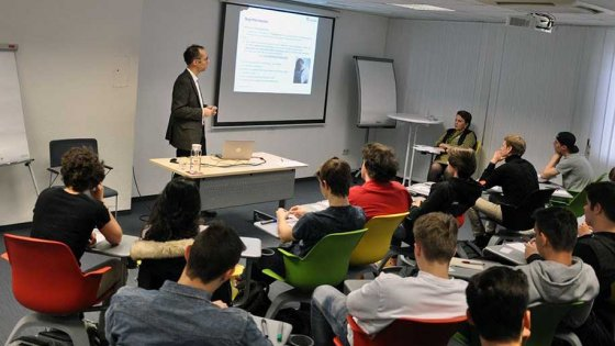 Visit of polymer engineering students of TGM | © Copyright: Austrian Standards